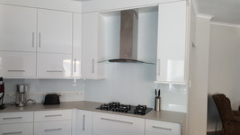 Painted Glass Splashback - Ice White